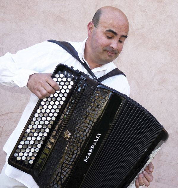 Angel Luis Castano Scandalli Accordions - Extreme